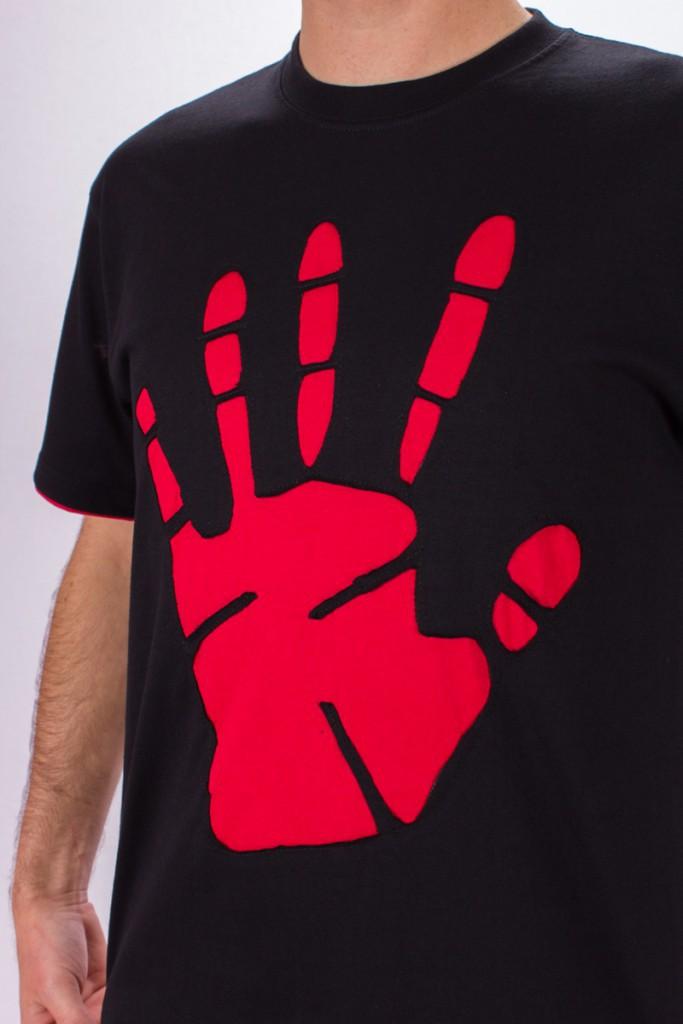 T-shirt Peace Hand Fond Noir design Bordeaux