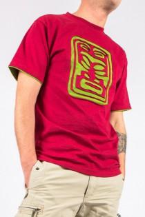 T-shirt Tikky Fond Bordeaux design Vert