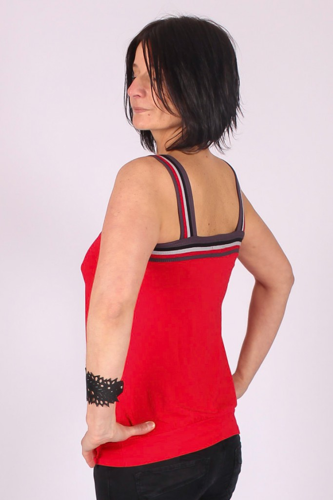 Top Lila Rouge